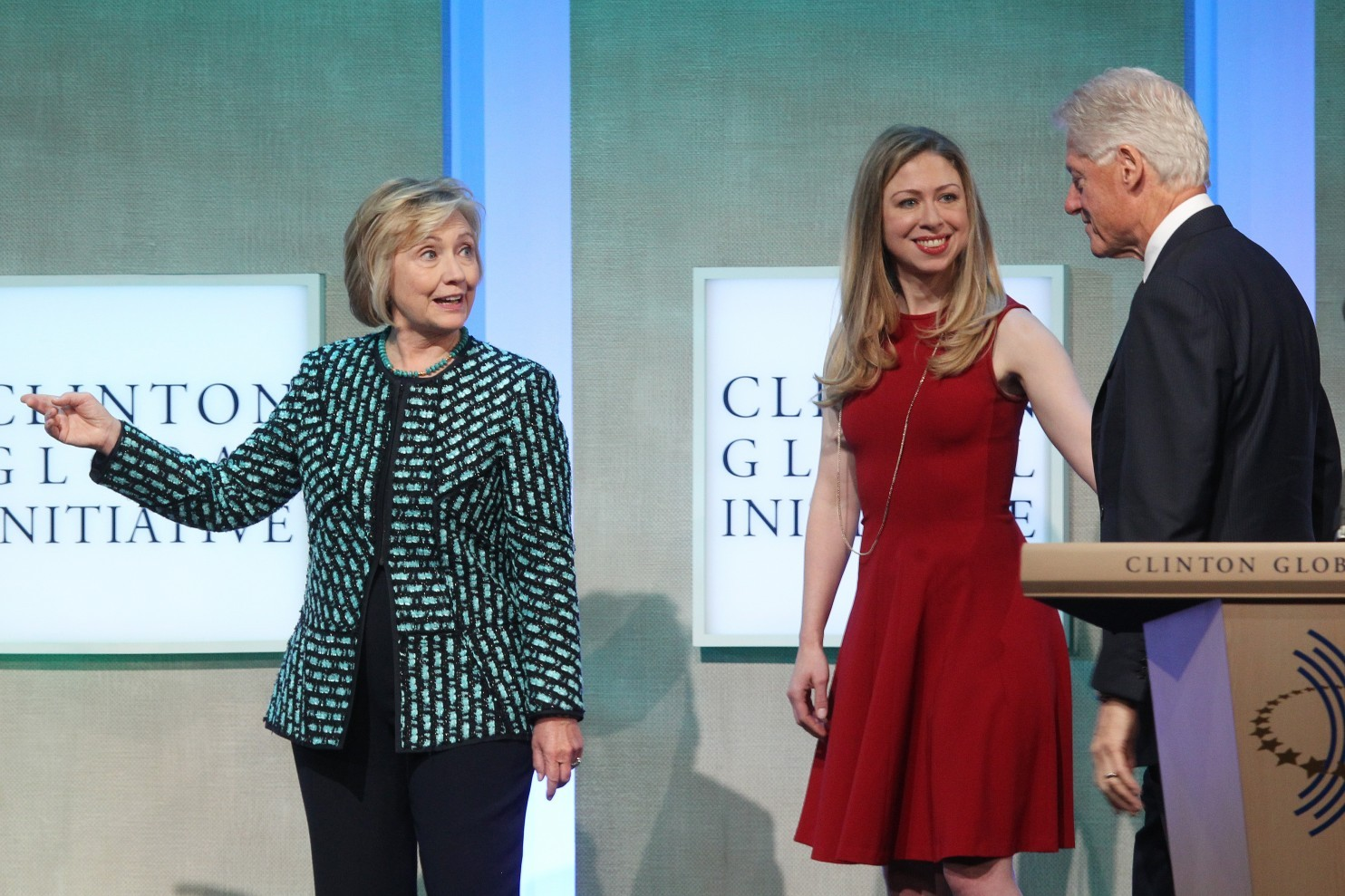 Hillary, Chelsea and Bill Clinton attend the Clinton Global Initiative in New York in September 2013. (AFP/AFP/Getty Images)