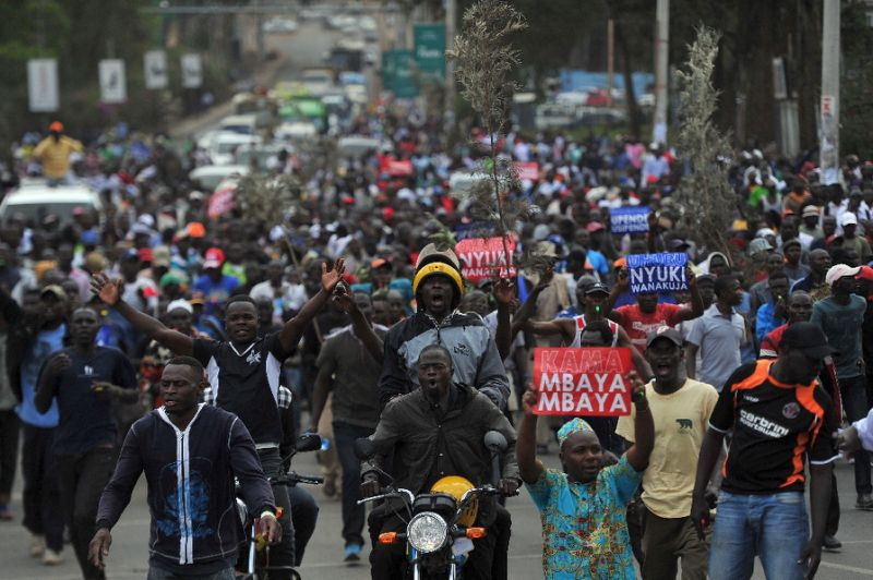 Supporters of Kenya's main opposition coalition, the National Super Alliance (NASA) demonstrate in Nairobi, on October 9, 2017 (AFP /Tony Karumba)