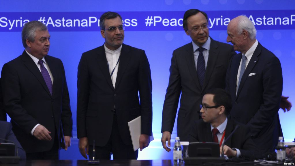 From left, Russian chief negotiator on Syria Alexander Lavrentyev, Iranian Deputy Foreign Minister Hossein Jaberi Ansari, Kazakh Foreign Minister Kairat Abdrakhmanov and U.N. Special Envoy for Syria Staffan de Mistura attend the fourth round of Syria peace talk. May 4, 2017. (Reuters)