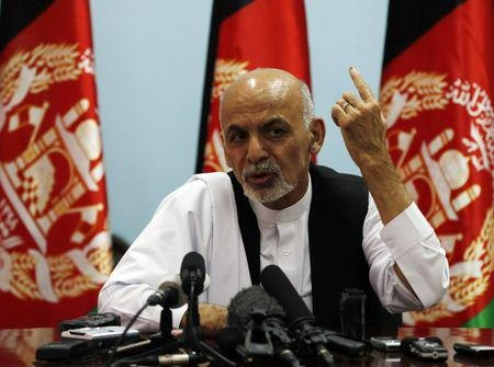 Afghan presidential candidate Ashraf Ghani Ahmadzai speaks with the media in Kabul August 12, 2014. (ReutersOmar Sobhani)