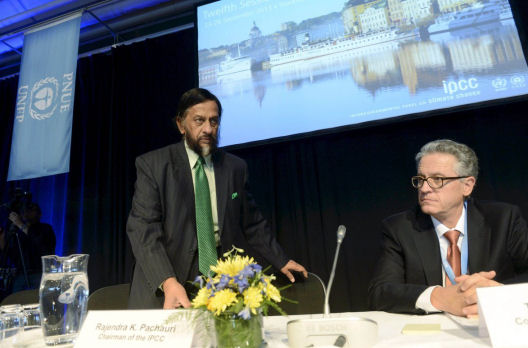 IPCC Chairman Pachauri and Co-chairman Stocker present the U.N. IPCC Climate Report during a news conference in Stockholm, September 27, 2013. (Reuters/Bertil Enevag Ericson)