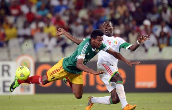 Bersyl Obassi of Congo battles with Salahdin Hussen of Ethiopia during the 2014 African Nations Championships match at the Free State Stadium South Africa, January 17, 2013. (Backpagepix/Sydney Mahlangu)