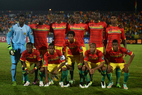 Guinea's players line up ahead of the 2015 African Cup of Nations group D football match between Guinea and Mali in Mongomo, on January 28, 2015 (AFP/Khaled Desouki)